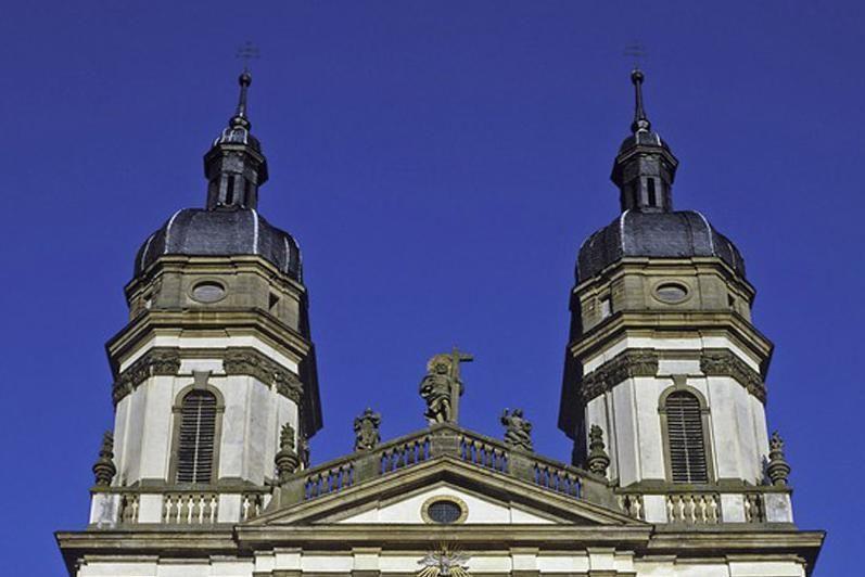 Doppeltürme der Barockkirche von Kloster Schöntal