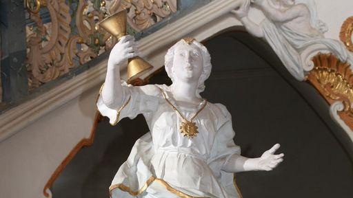 """Statue """"Sapientia"""" im Treppenhaus von Kloster Schöntal"""
